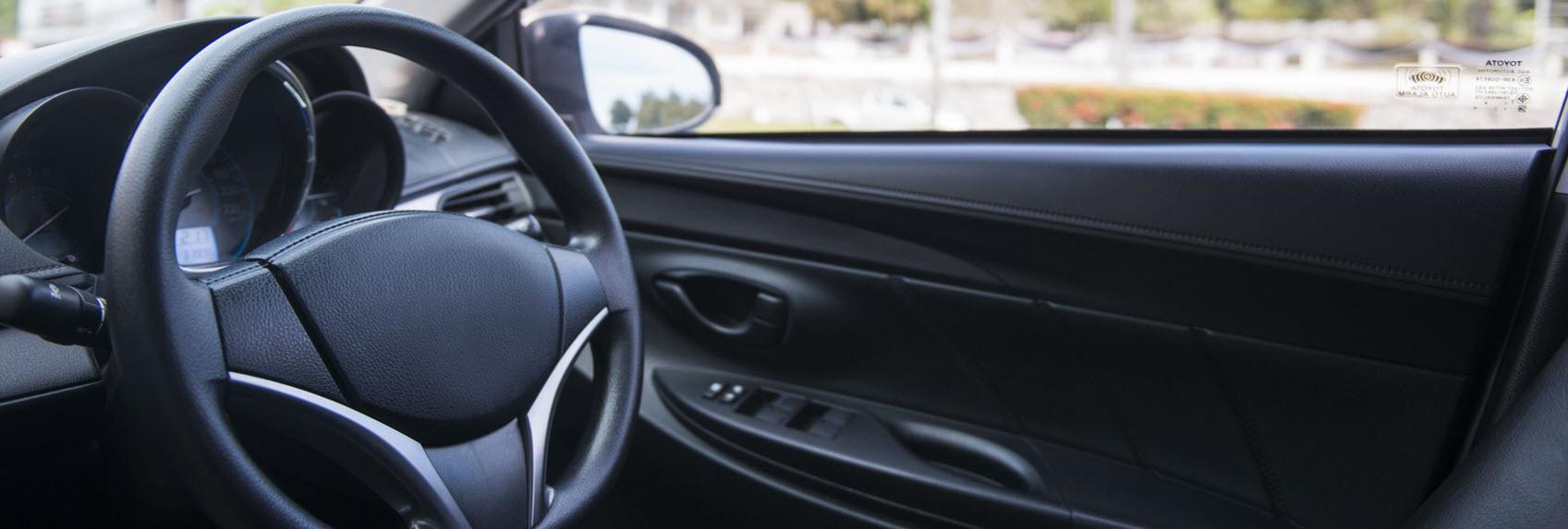 car-steering-wheel