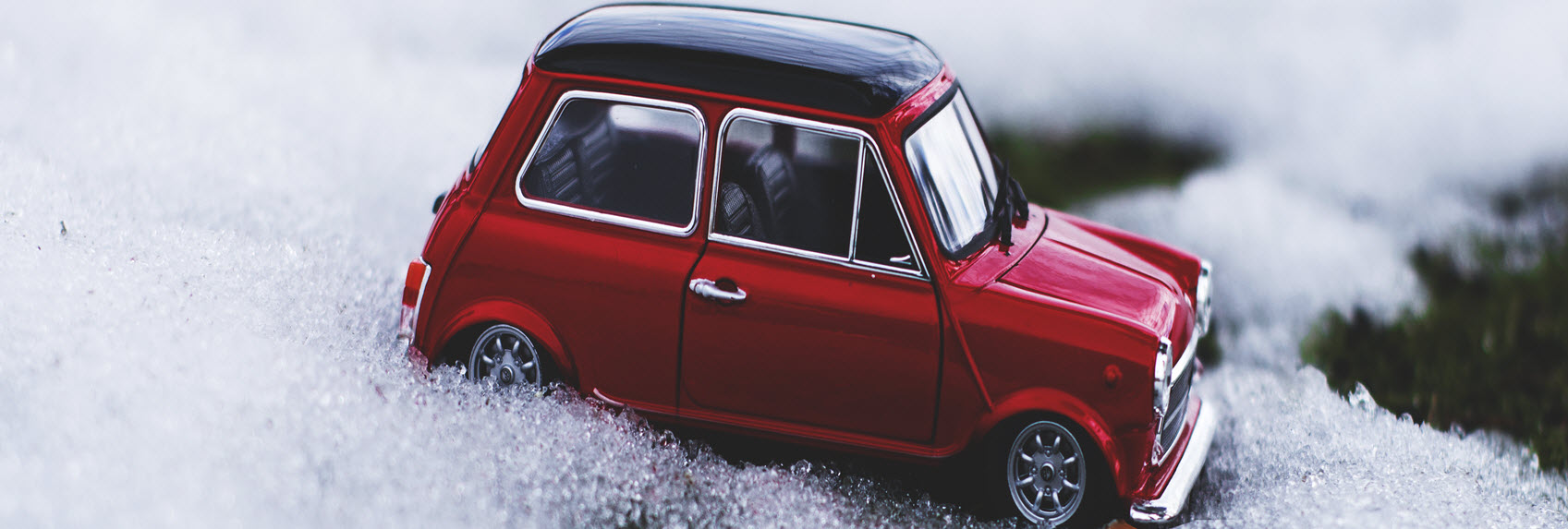 mini-car-in-ice